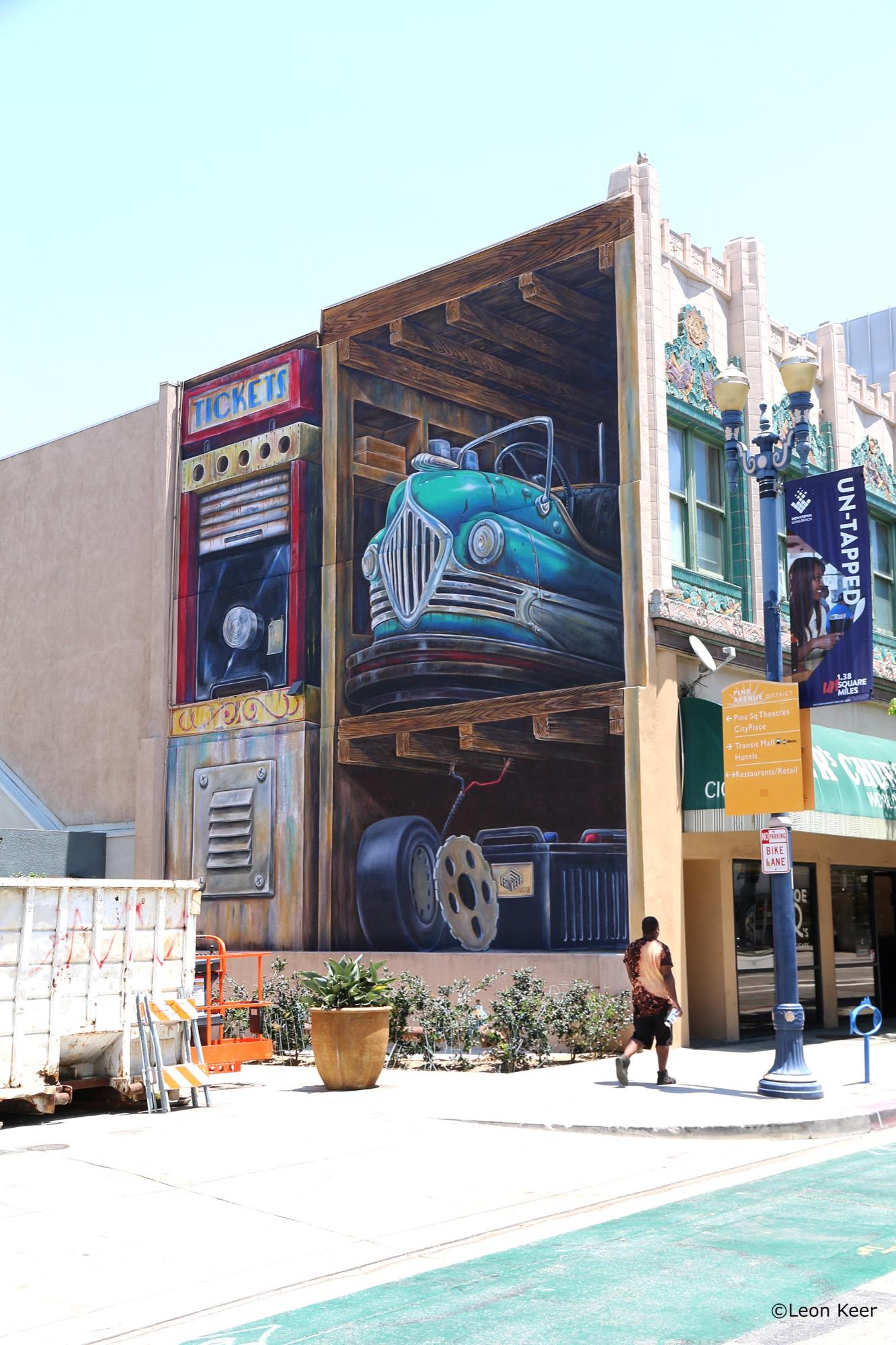 Leon Keer in Long Beach, California Artes & contextos longbeach leonkeer powwow mural 43292005671 o