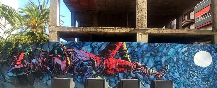 """""""Parallel Fall"""" by Deih & House Tly in Alicante, Spain"""