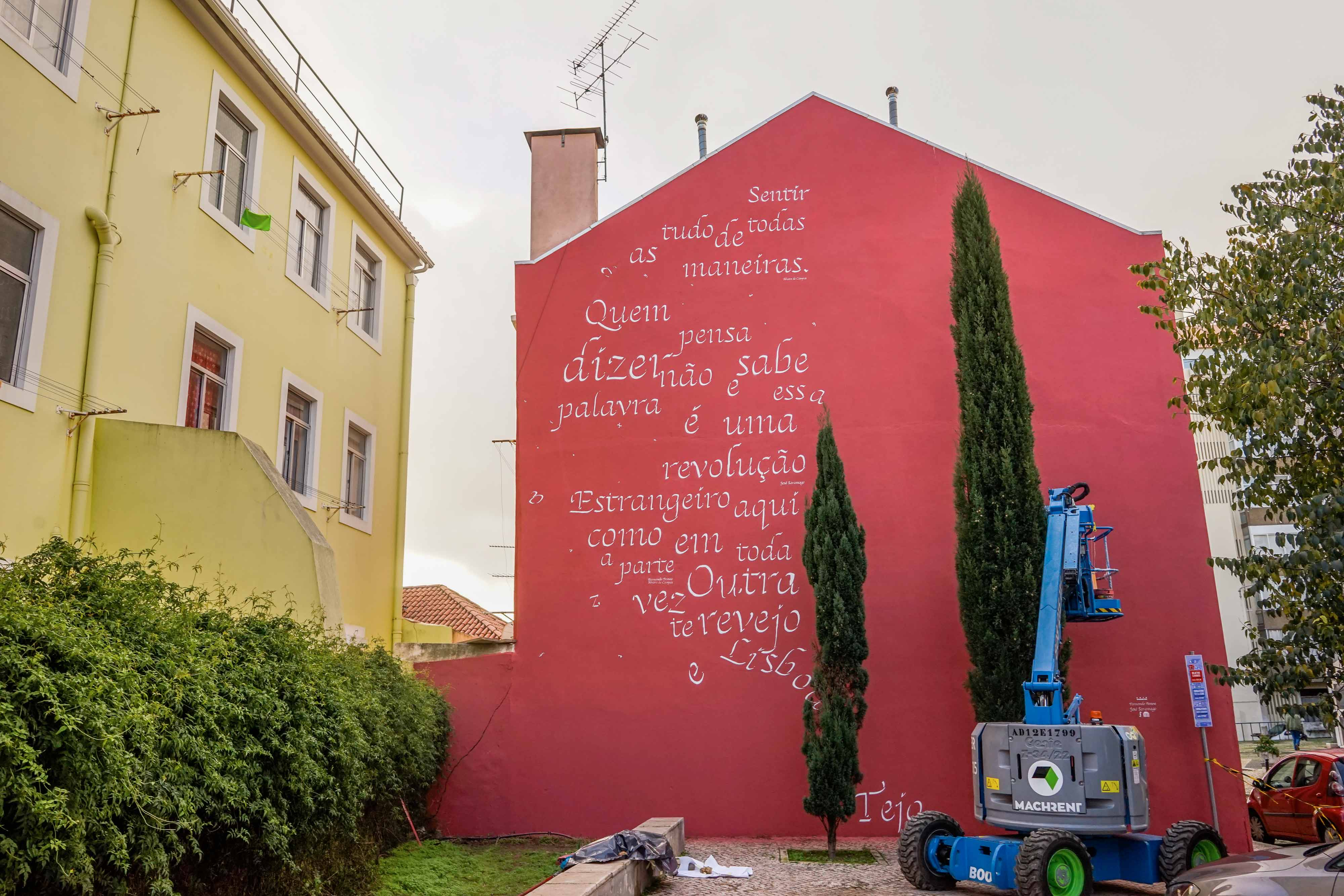 To Pessoa and Saramago: a poetry homage by Opiemme in Lisbon, Portugal. Artes & contextos Opiemme1