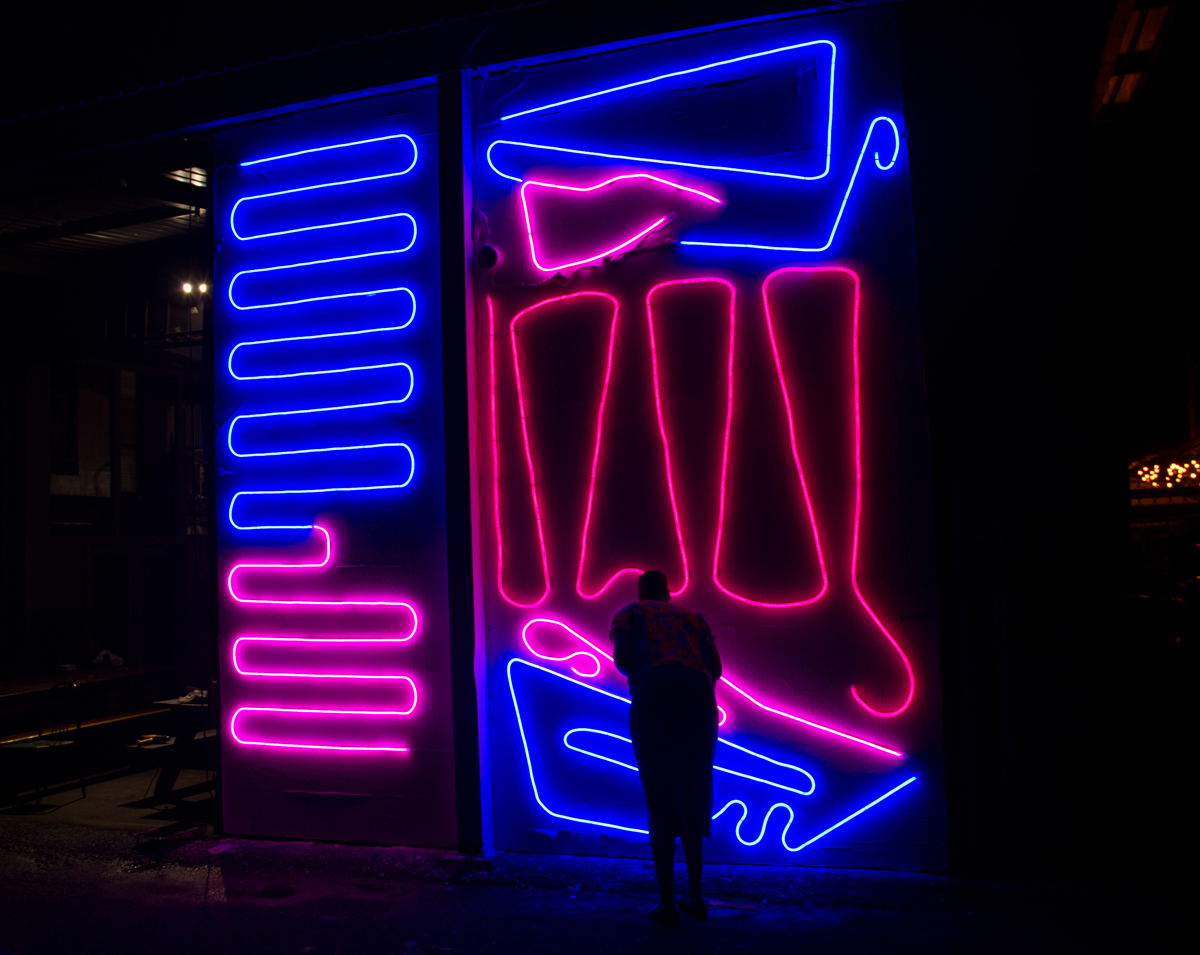 New Neon Interactive Mural by Spidertag in Honolulu, Hawaii Artes & contextos Hawaii 3