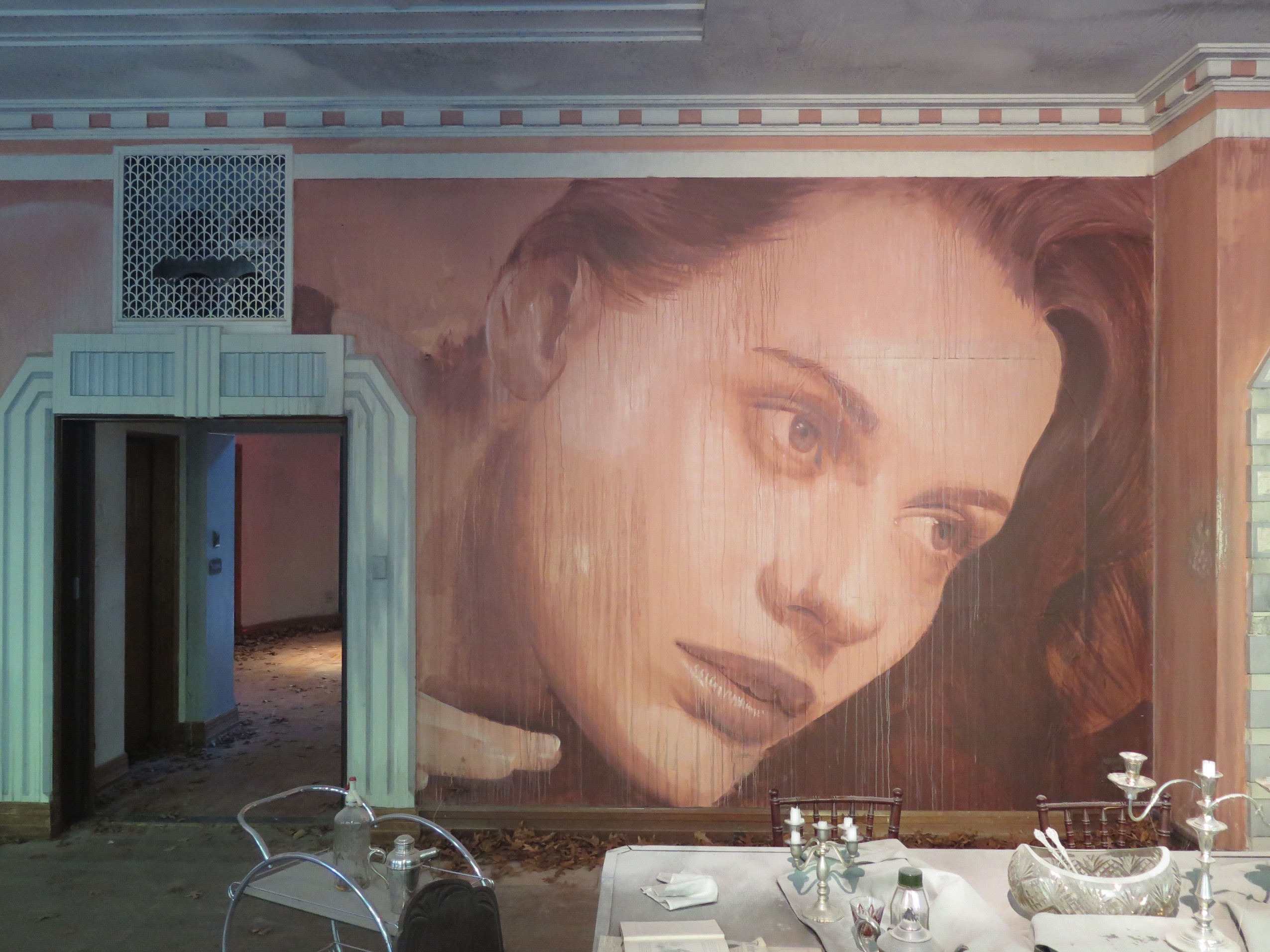 "RONE unveils ""Empire"", a stunning project in Melbourne Artes & contextos deansunshine landofsunshine melbourne streetart graffiti streetartnews RONE empire 3.5"