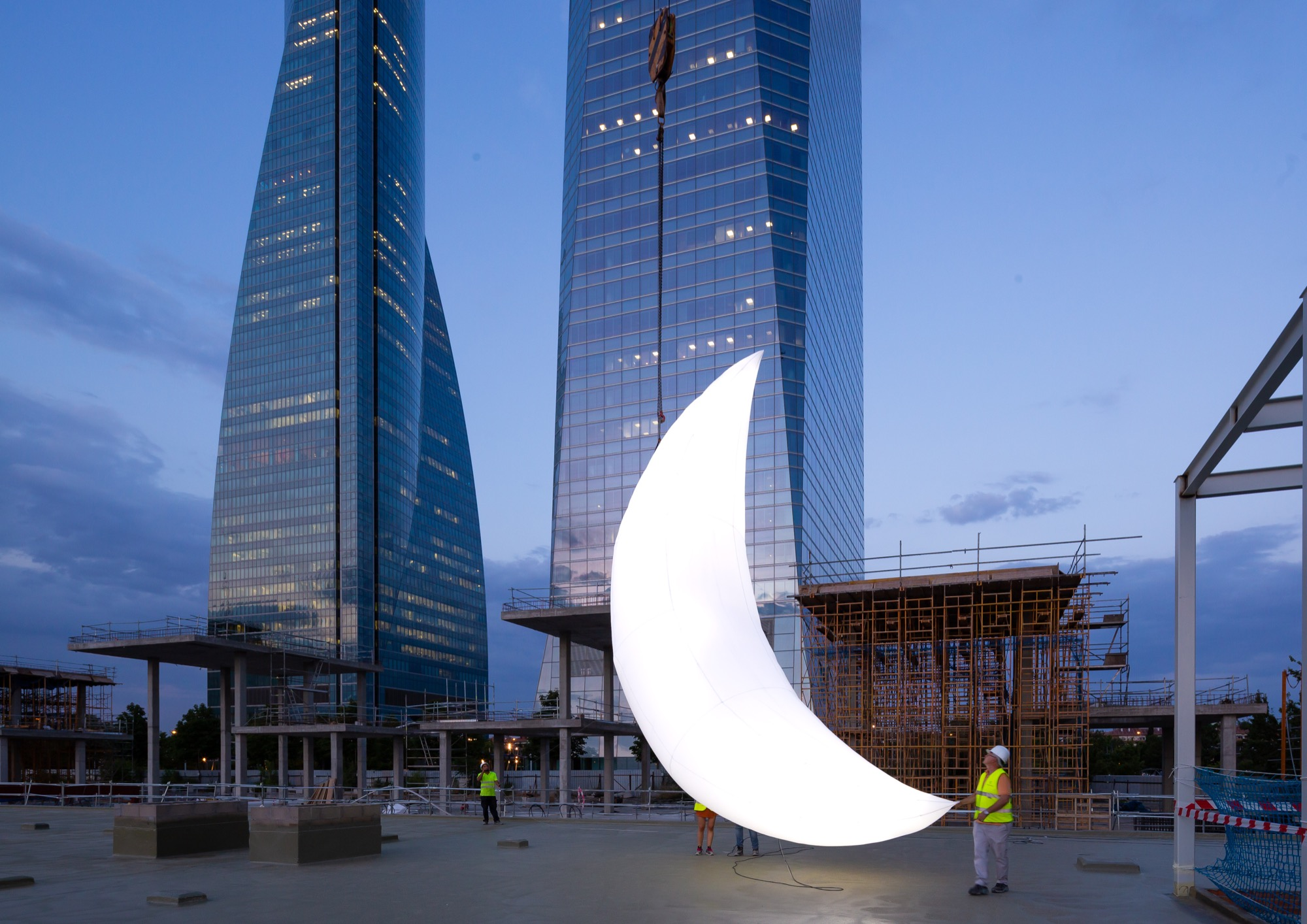 moon spys  installation  madrid streetartnews
