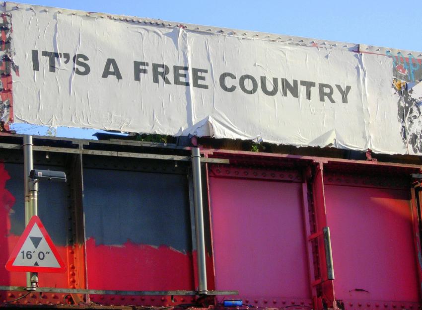 Descobrindo Banksy – Parte 1 Artes & contextos Its A Free Country