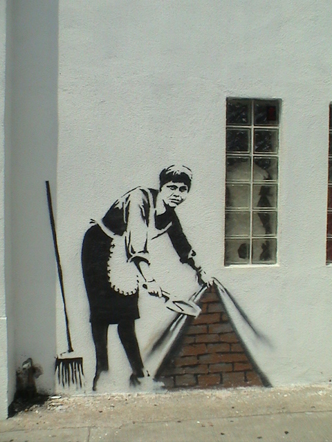 Descobrindo Banksy – Parte 4 Artes & contextos LA Version of Maid 2006 copy
