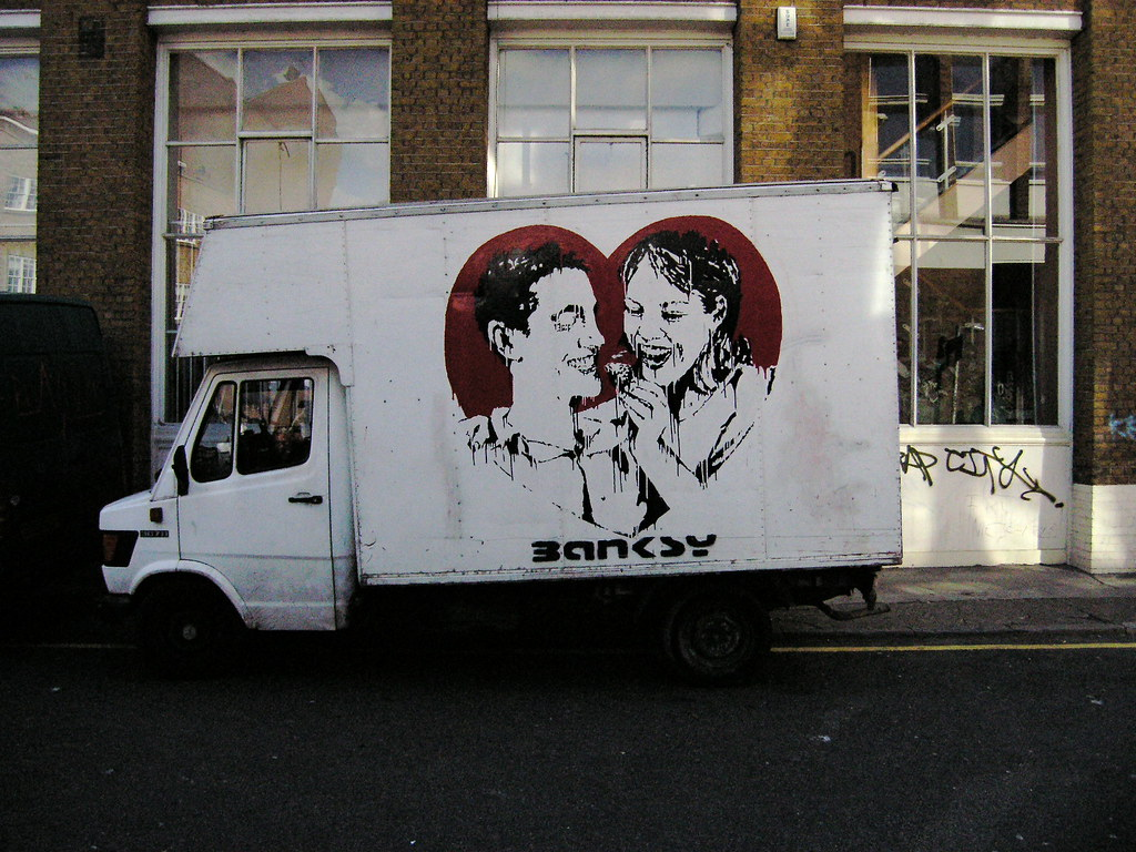 Descobrindo Banksy – Parte 1 Artes & contextos Removal van 2004
